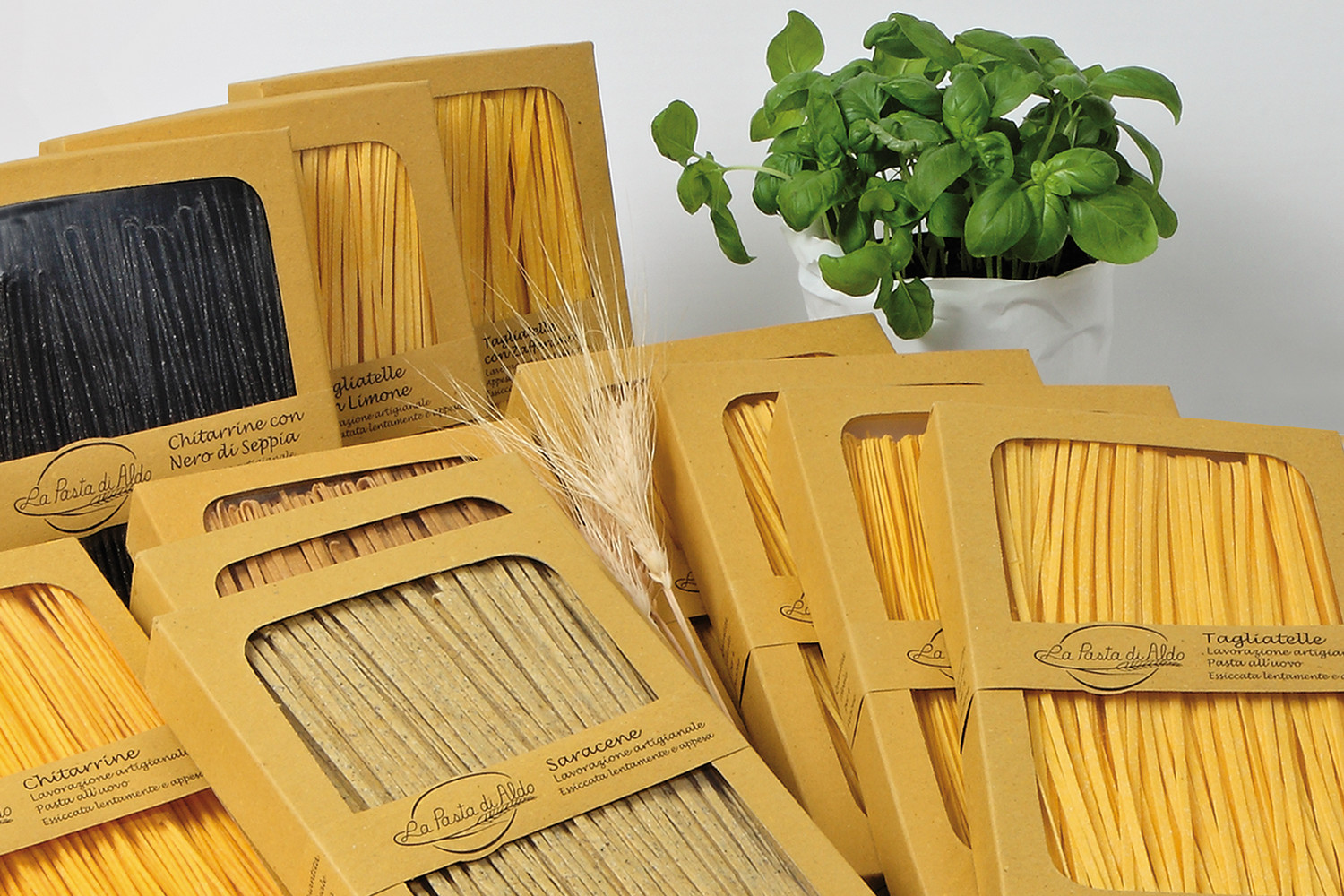 Wholemeal egg pasta boxes